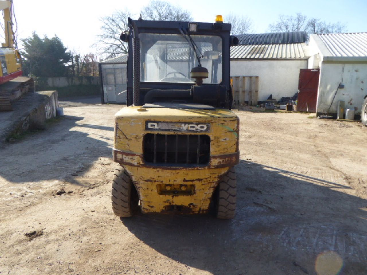 DAEWOO D40SC-2 FORKLIFT - Picture 2