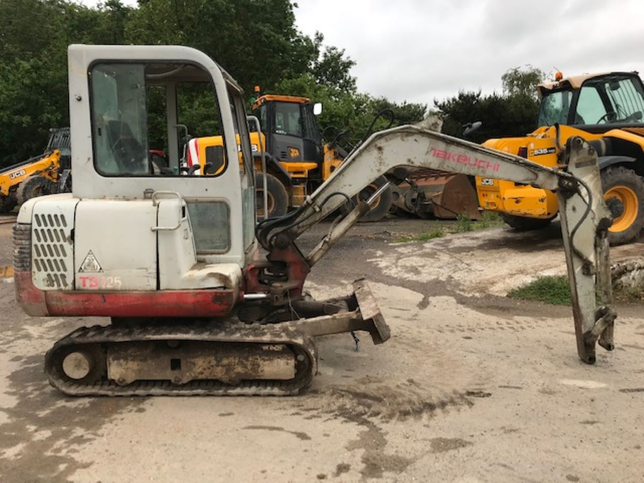 TAKEUCHI TB125 MINI DIGGER