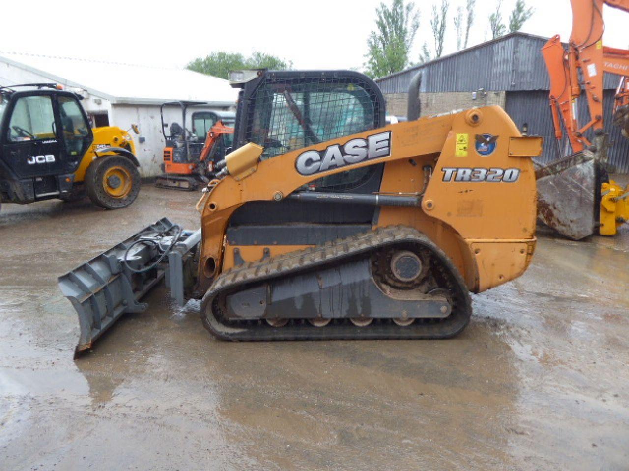 CASE TR320 TRACKED SKIDSTEER LOADER - Picture 3
