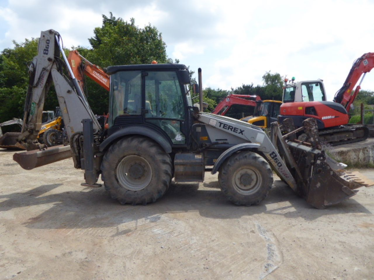 TEREX 860 ELITE SPECIAL EDITION BACKHOE LOADER
