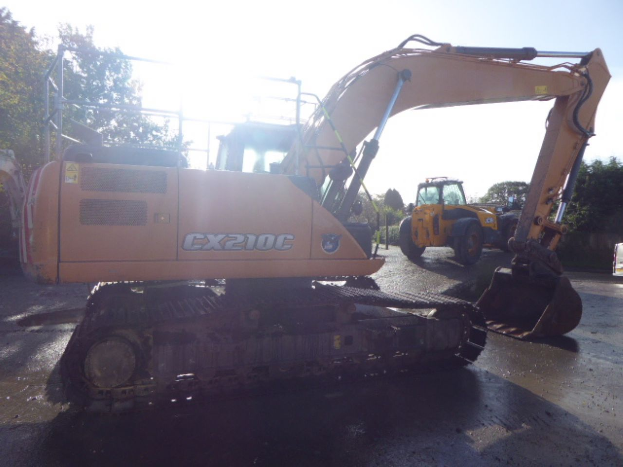CASE CX210C EXCAVATOR - Picture 1
