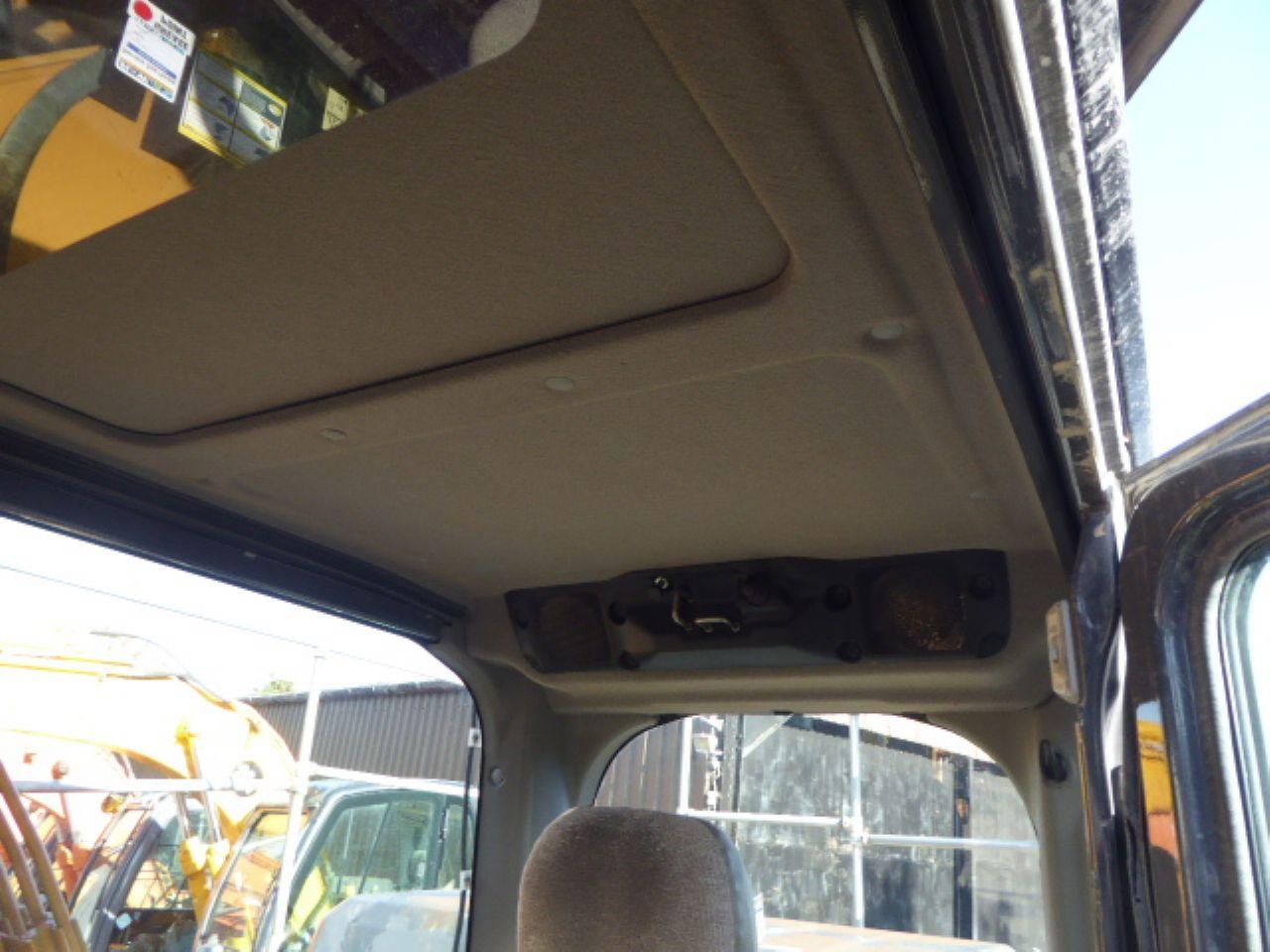 CASE CX210C EXCAVATOR - Picture 8