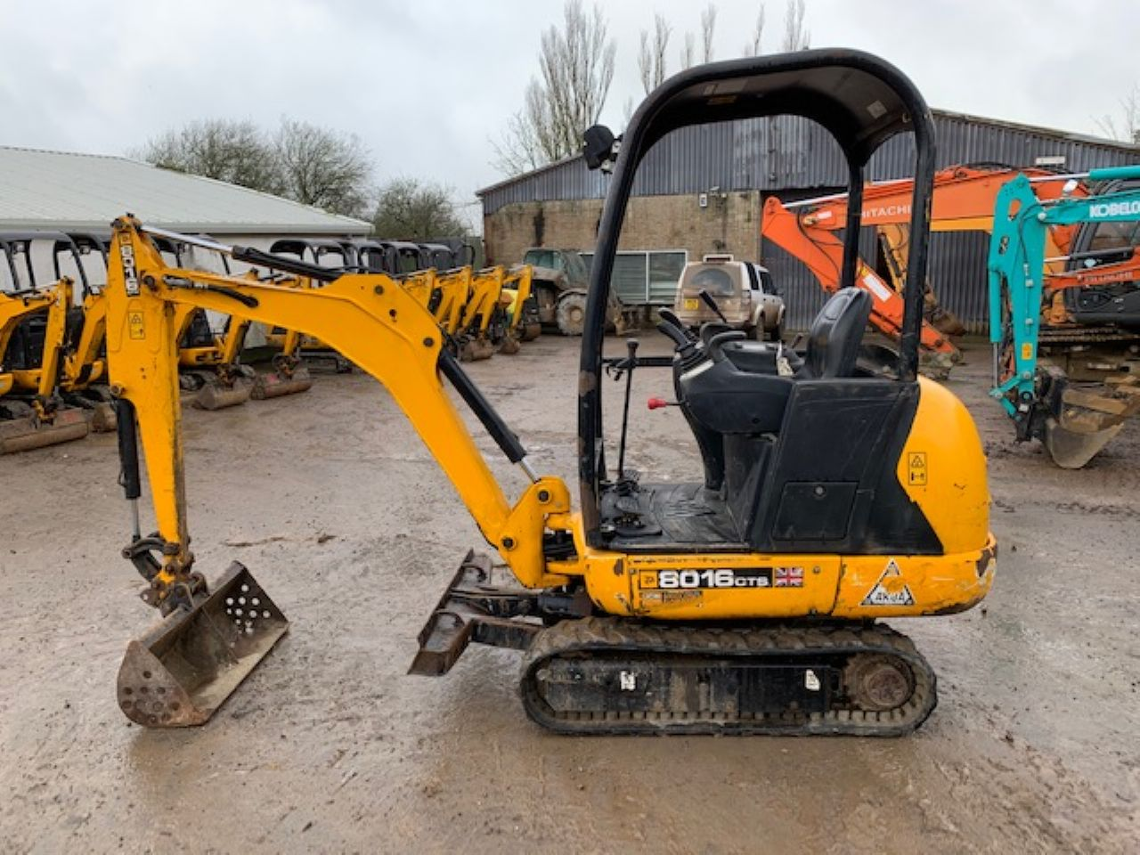 JCB 8016 CTS MINI DIGGER - Picture 3