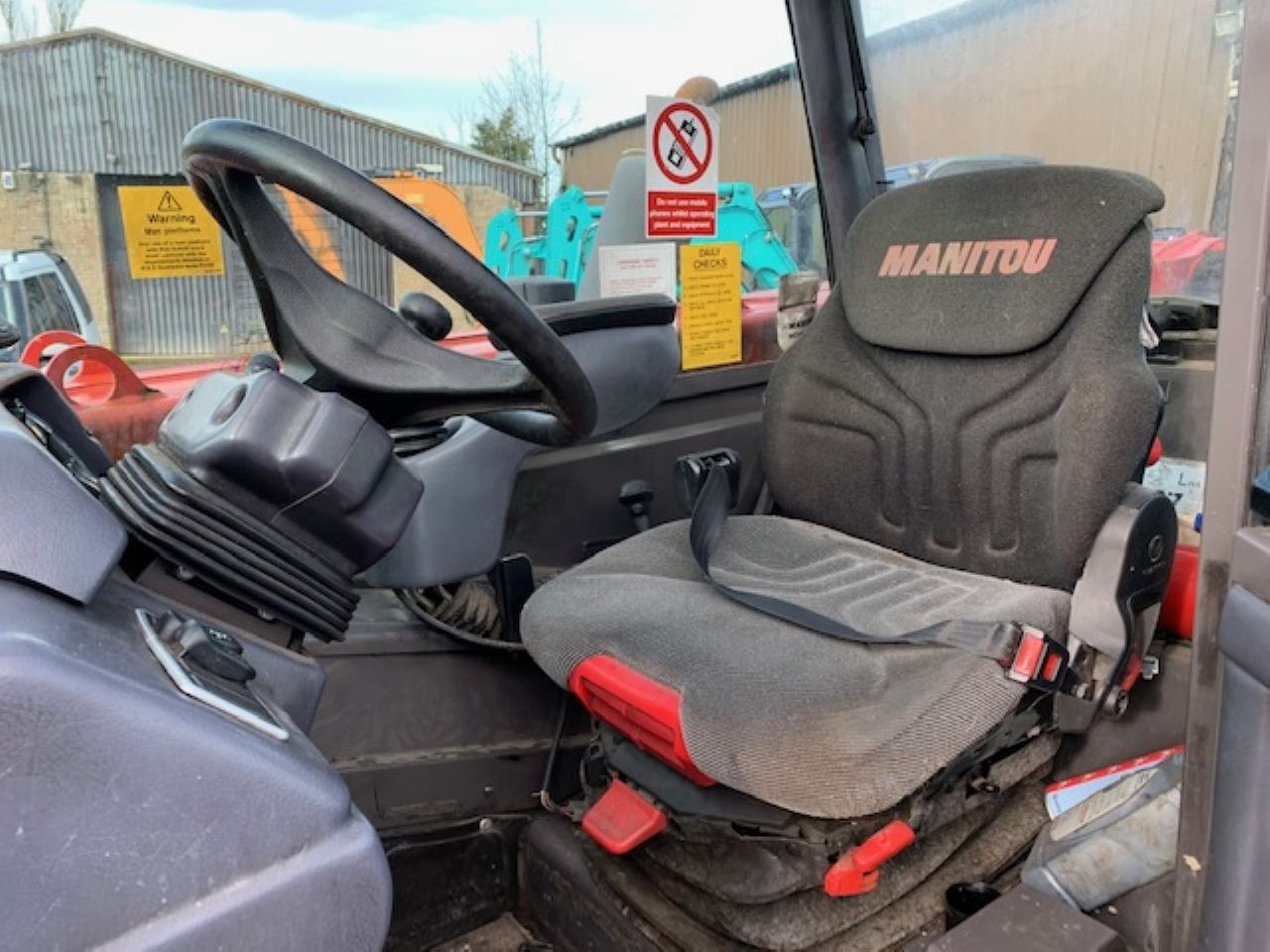 MANITOU MLT 845-120 TELEHANDLER - Picture 5