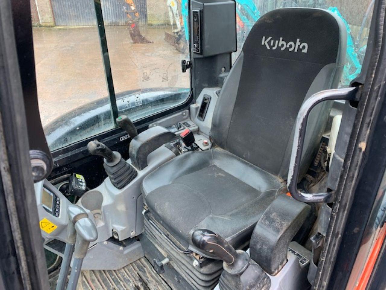 KUBOTA U55-4 EXCAVATOR - Picture 6