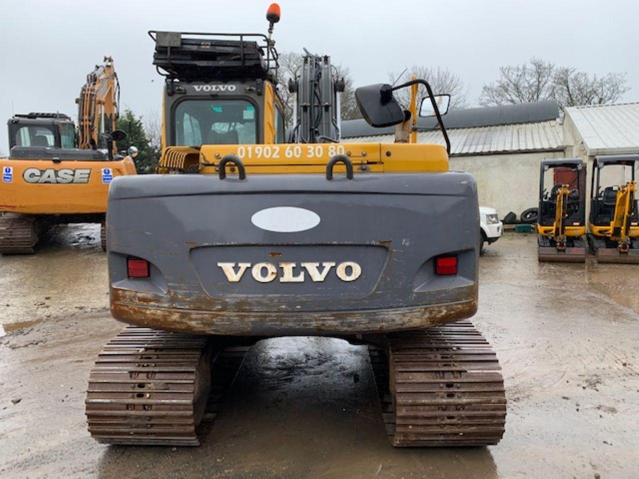 VOLVO EC140BLC EXCAVATOR - Picture 2