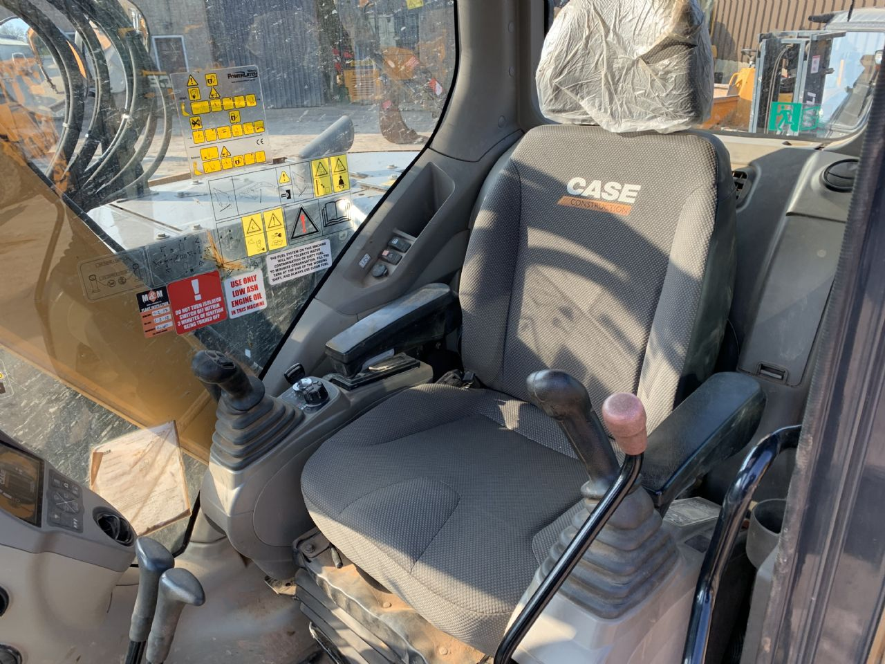 CASE CX75C SR EXCAVATOR - Picture 7