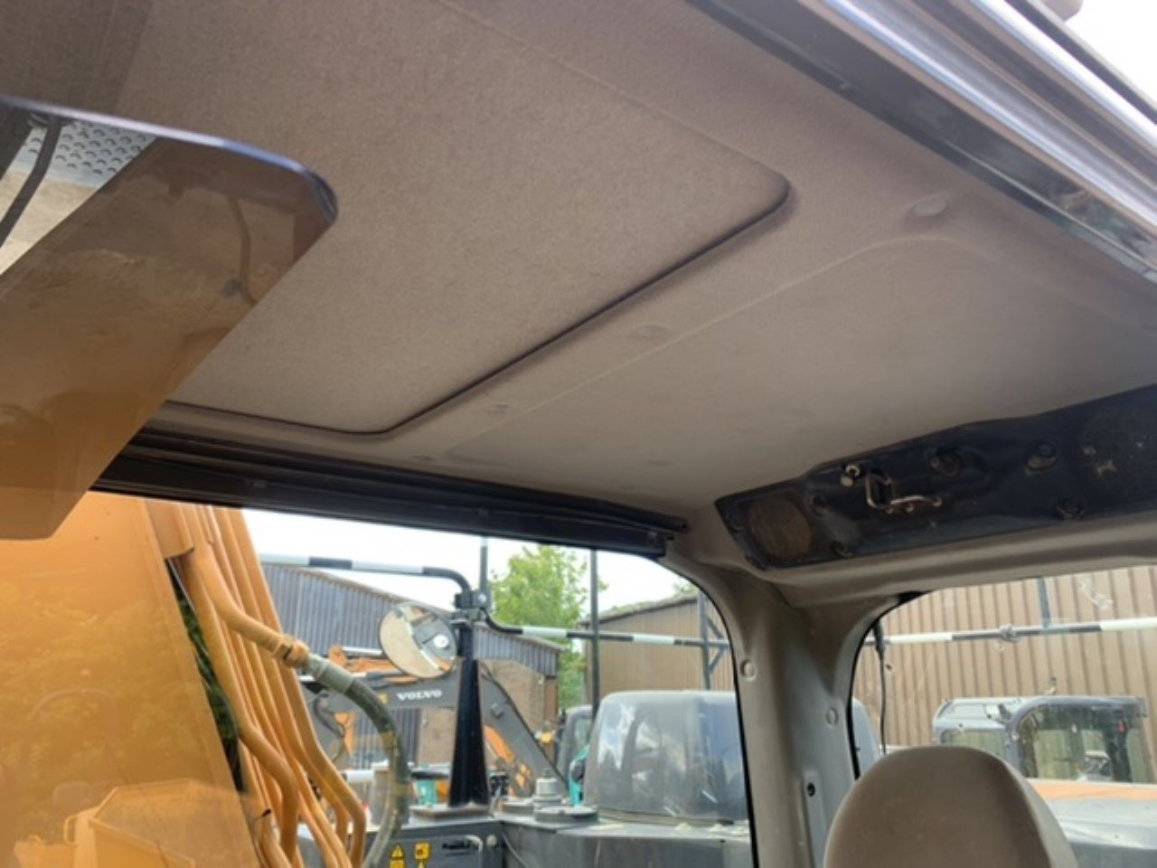 CASE CX130D  EXCAVATOR  - Picture 10