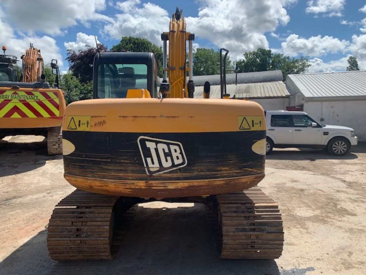 JCB JS130LC EXCAVATOR - Picture 2