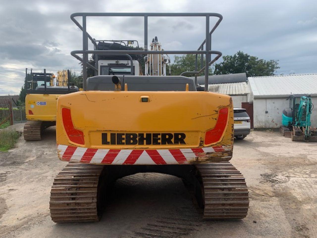 LIEBHERR R922 LC EXCAVATOR - Picture 2