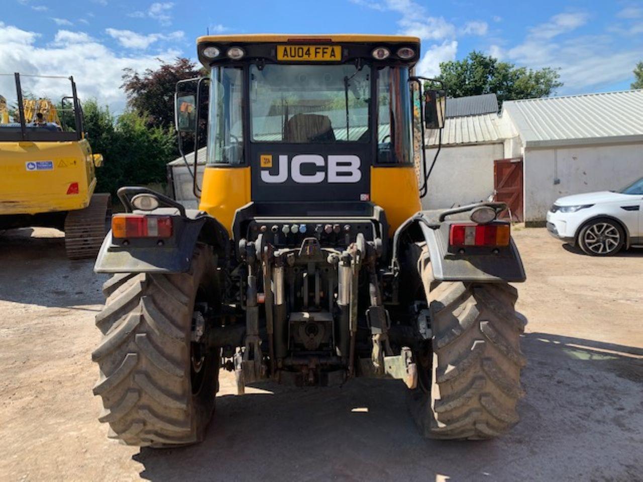 JCB 3220 PLUS FASTRAC TRACTOR - Picture 2