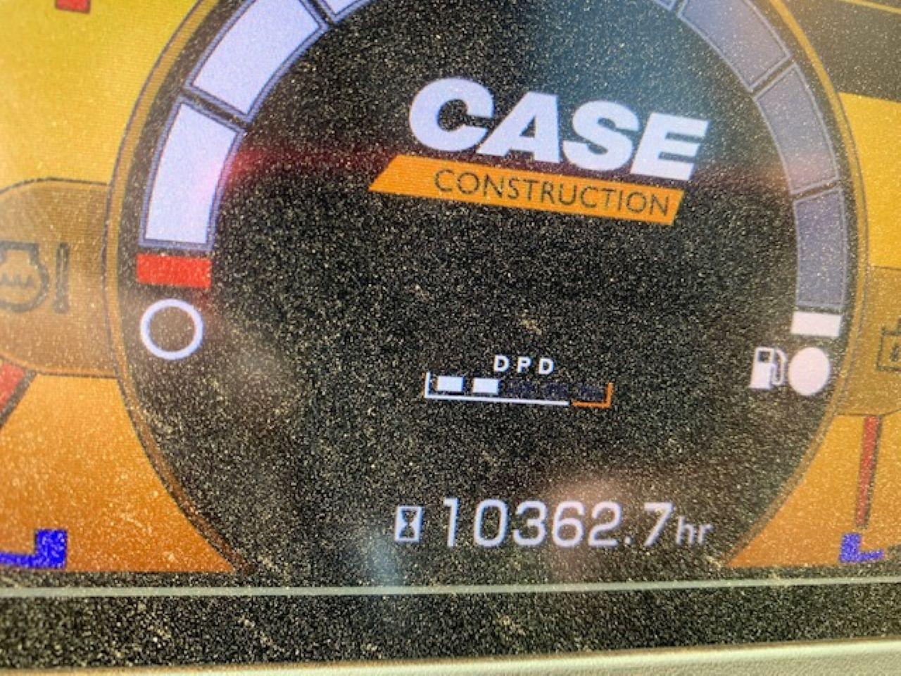 CASE CX350C EXCAVATOR - Picture 10