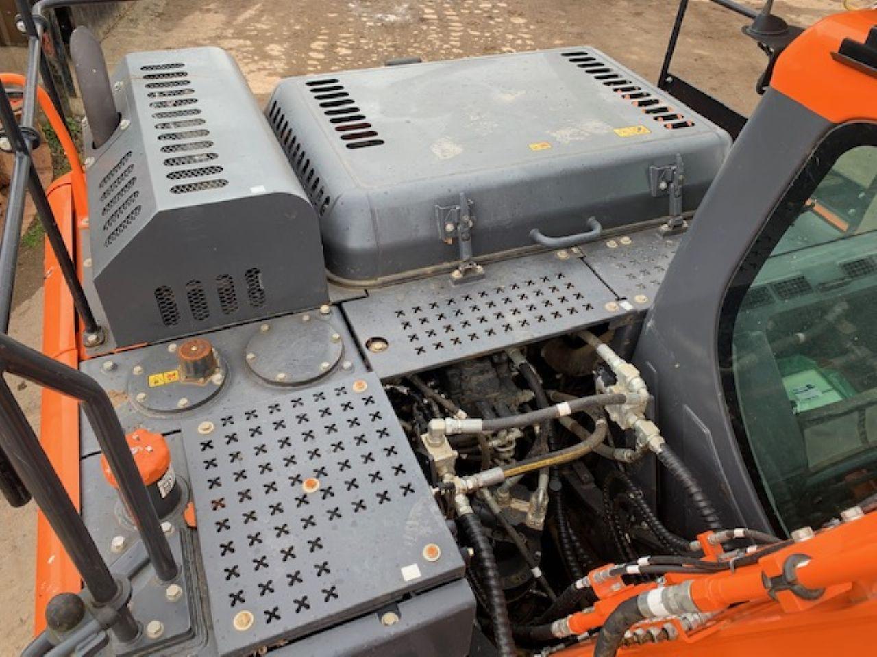 DOOSAN DX140LC-5 EXCAVATOR - Picture 7