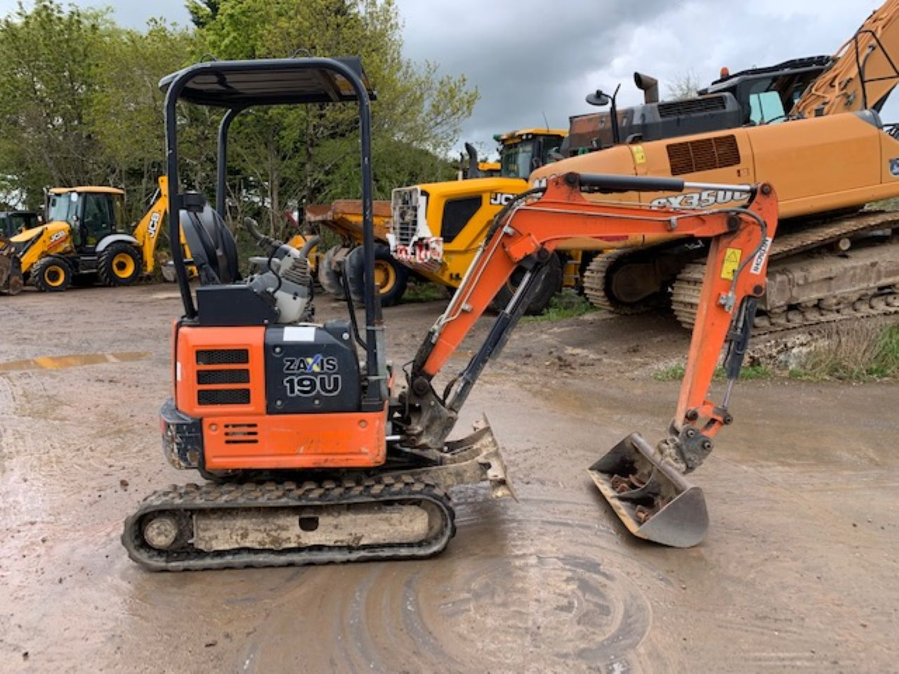 HITACHI ZX19U-5A MINI DIGGER