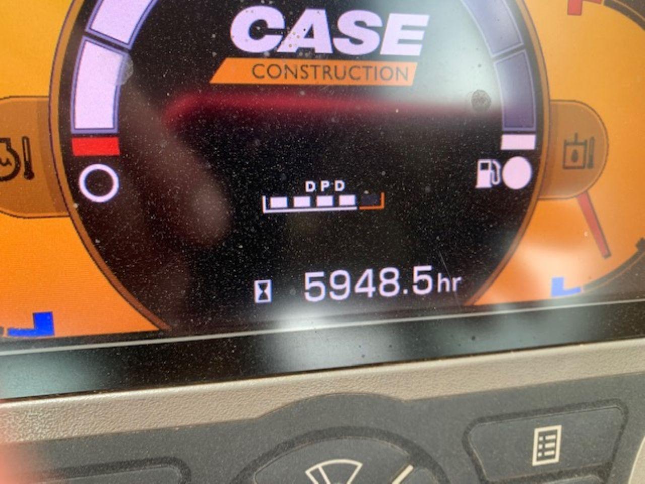 CASE CX210C EXCAVATOR - Picture 9